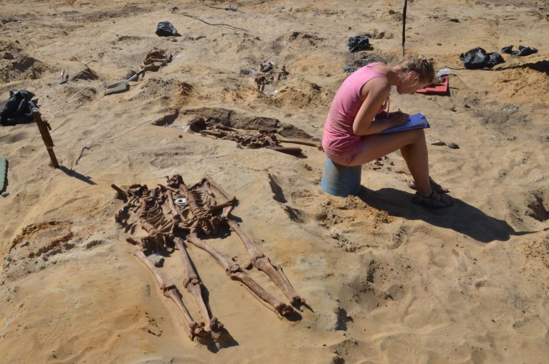 väljakaevatud luustikud Rootsi garnisonikalmistu arheoloogilistel väljakaevamistel