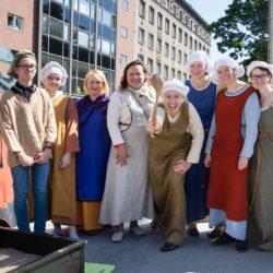 Tallinna Linnamuuseumi meeskond perepäeval Vabaduse väljakul